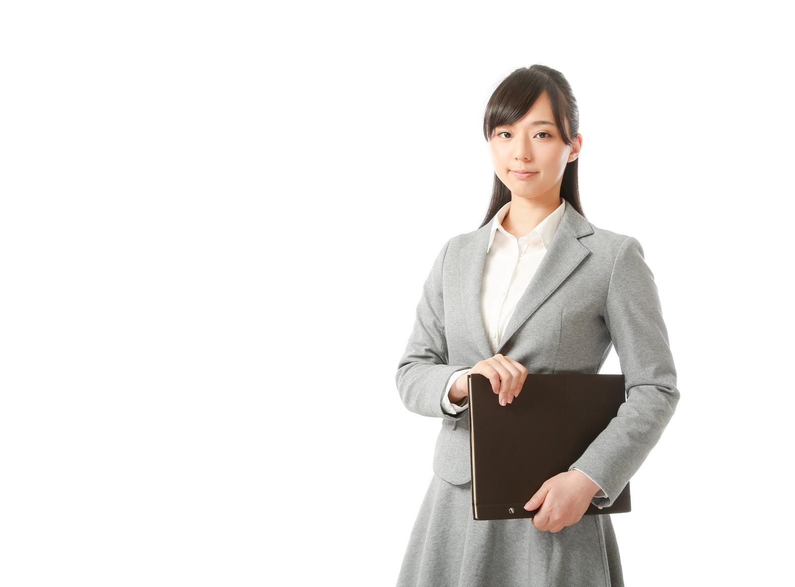 社労士資格を持ってる人が実務未経験で転職したら年収はどのくらい?